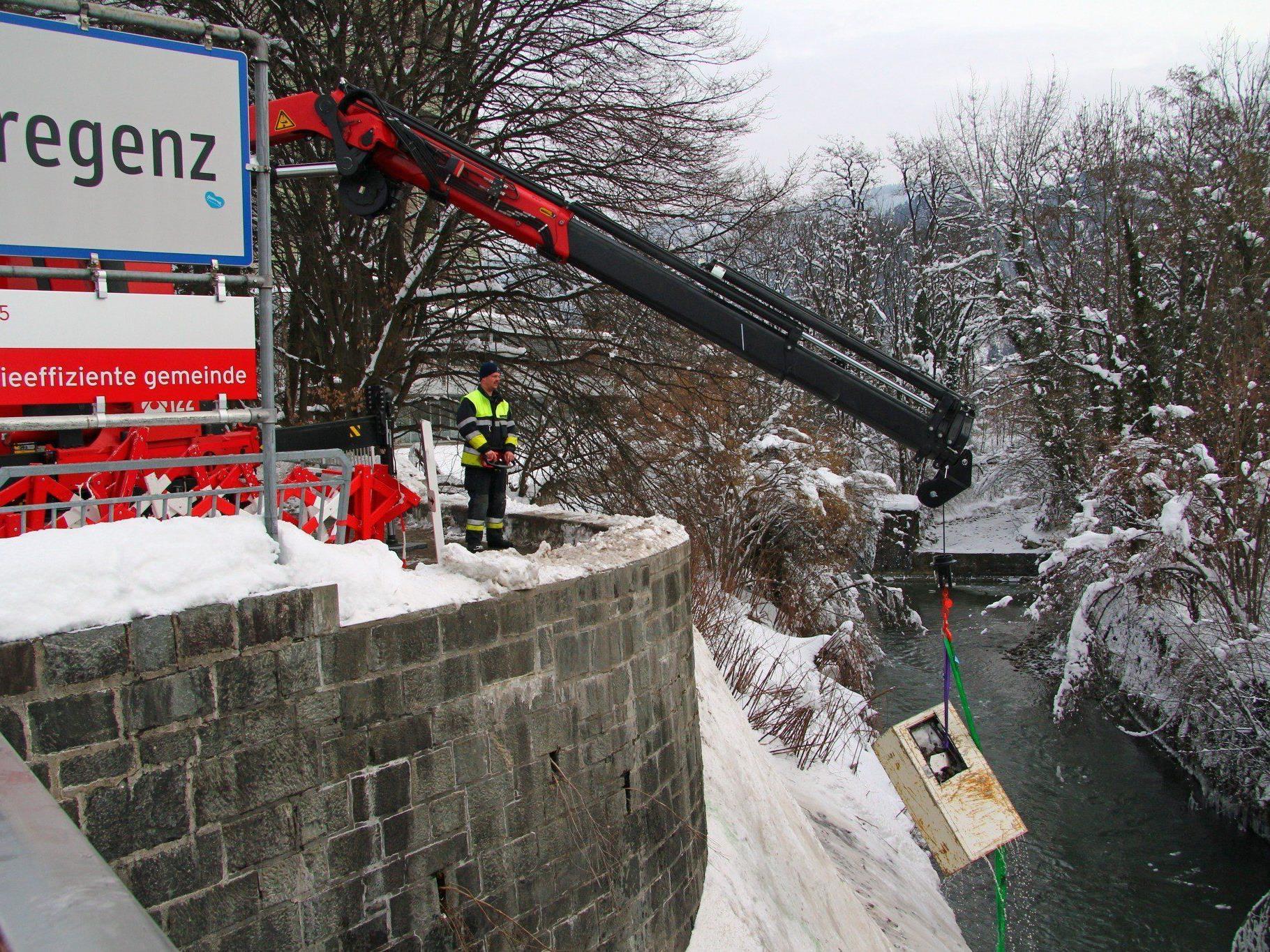 Bregenz: Tresor aus Vkw-Kanal geborgen