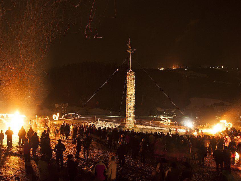 Der Funken in Tschagguns-Land wird am Sonntag, dem 17. Februar 2013 abgebrannt.