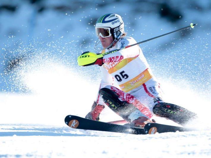 Der Dornbirner Mathias Graf holt sich in Rumänien die Silbermedaille im Riesentorlauf.