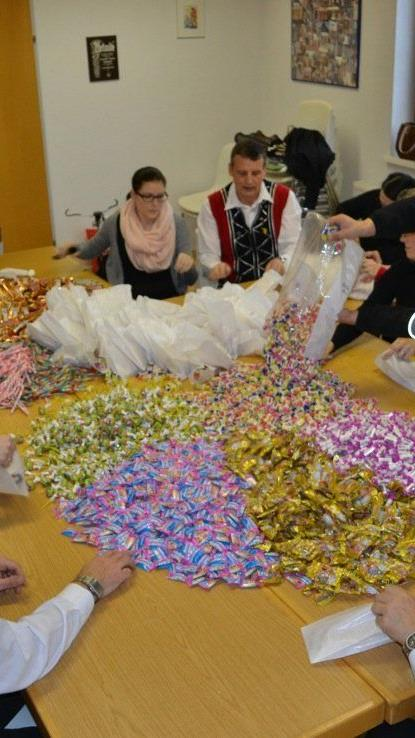 2.000 Kinderpäckle wurden vorbereitet: Diese können beim extra Kinderbereich in der Gastra beim Festzelt abgeholt werden.