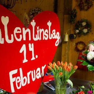Besonders Blumen werden gerne zum Valentinstag verschenkt.