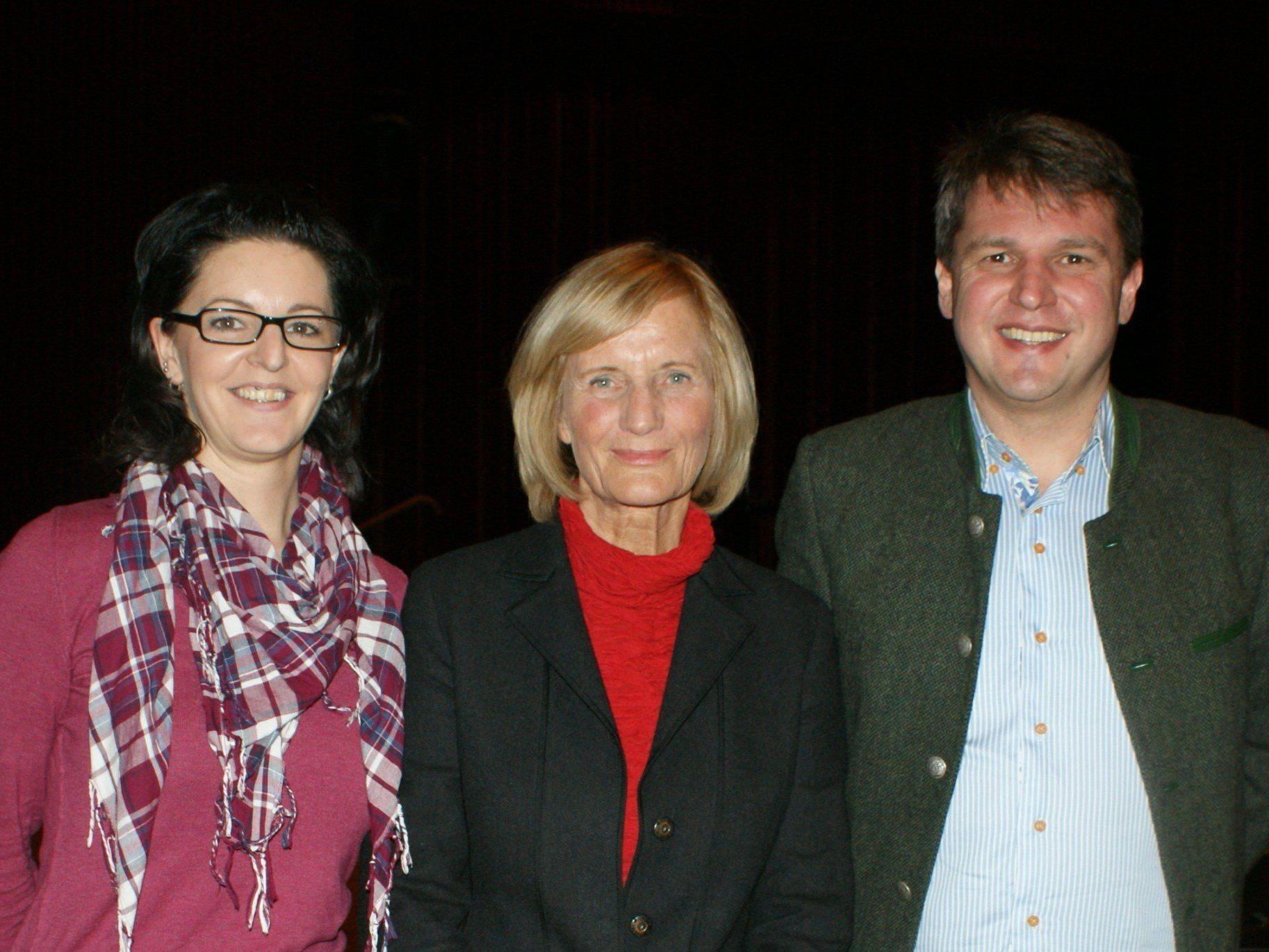 Manuela Lang, Dr. Donata Elschenbroich und Bürgermeister Dr. Kurt Fischer