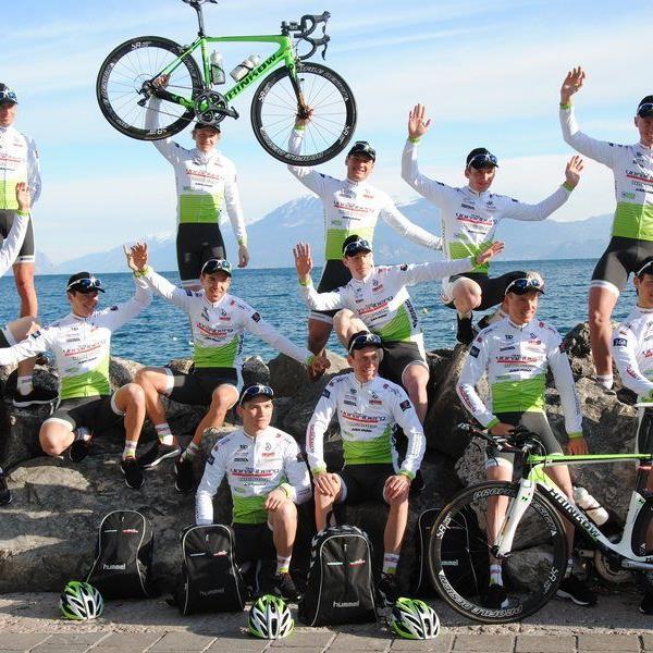 Acht Fahrer vom Team Vorarlberg sind in Frankreich im Einsatz.