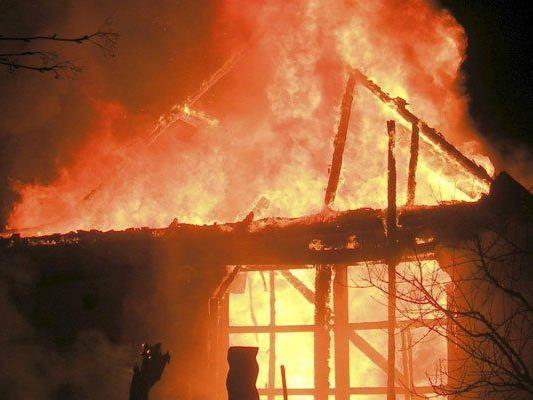 Zwei nächtliche Brände in Niederösterreich
