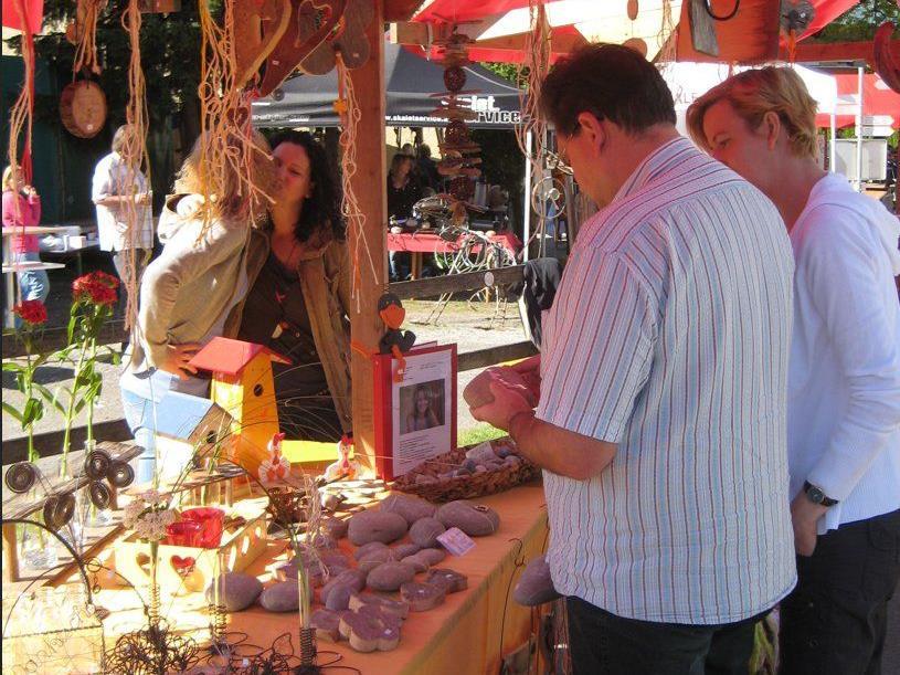 Am 4. Mai findet der 2. Kunstmarkt in Satteins statt, zu dem sich alle Interessierten anmelden können