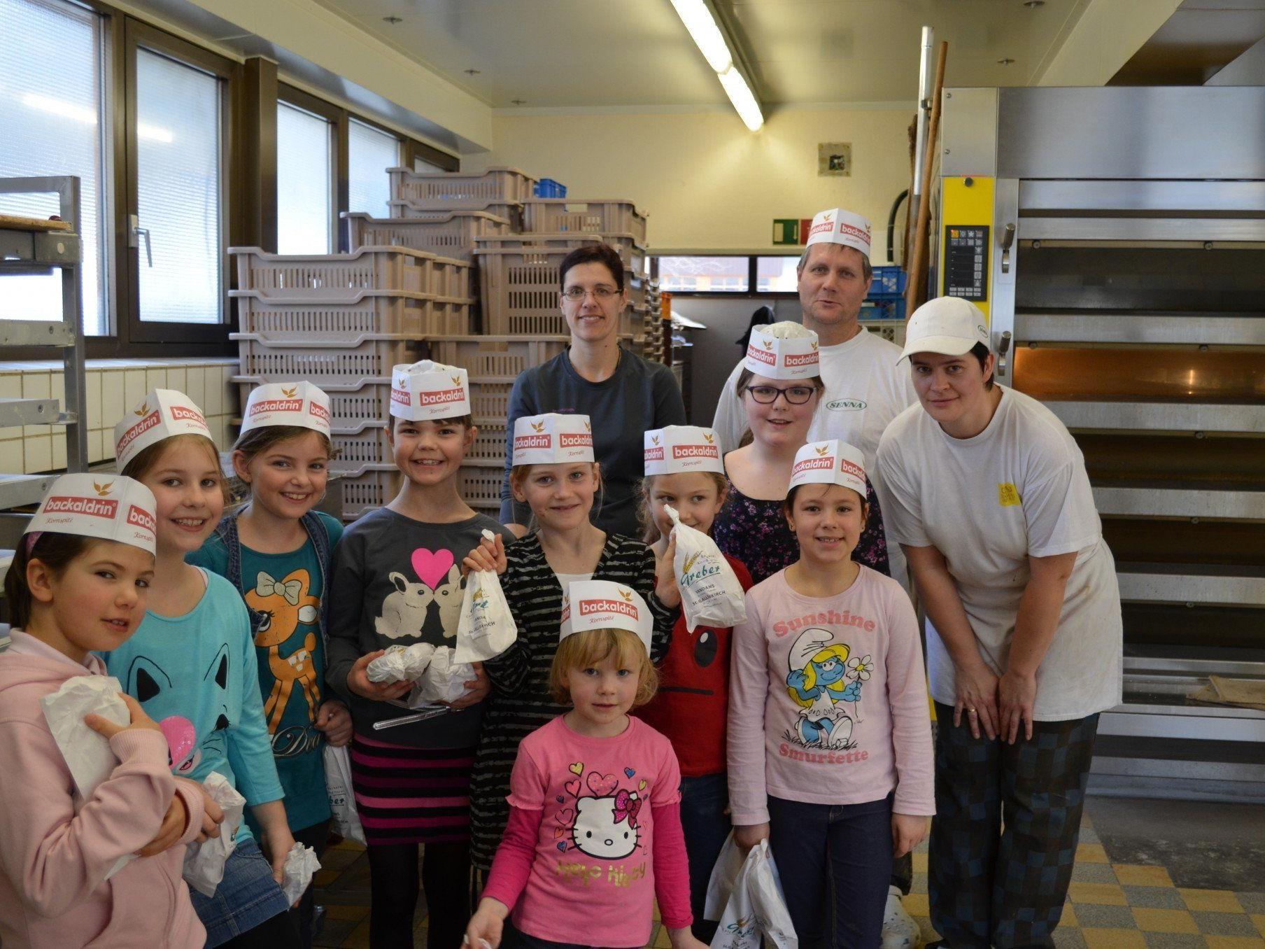 Die 2. Klasse auf Besuch bei der Bäckerei Greber.