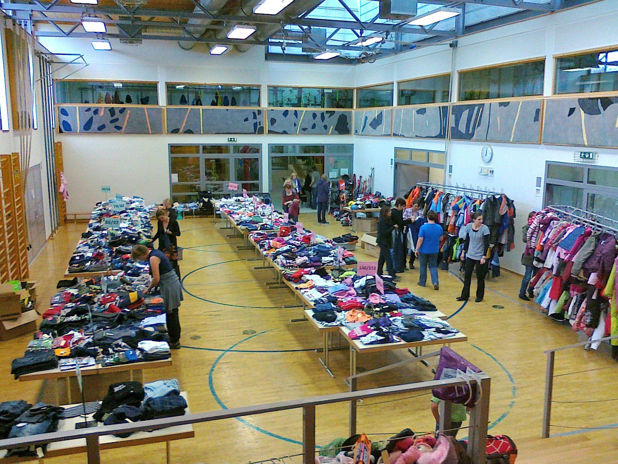 Kinder-Kleider-Börse im Schulsaal Meiningen