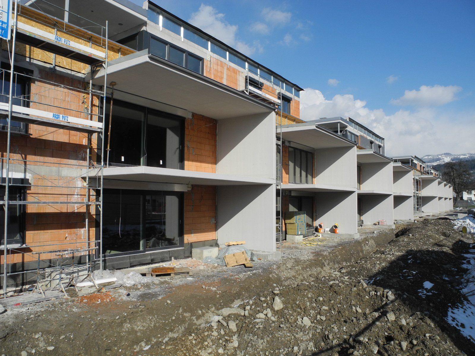 Die neue Wohnanlage im Feldkircher Grenzweg ist bis im Herbst bezugsfertig