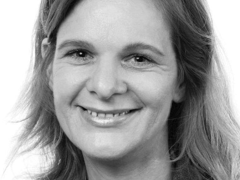 Referentin: Angelika Braza