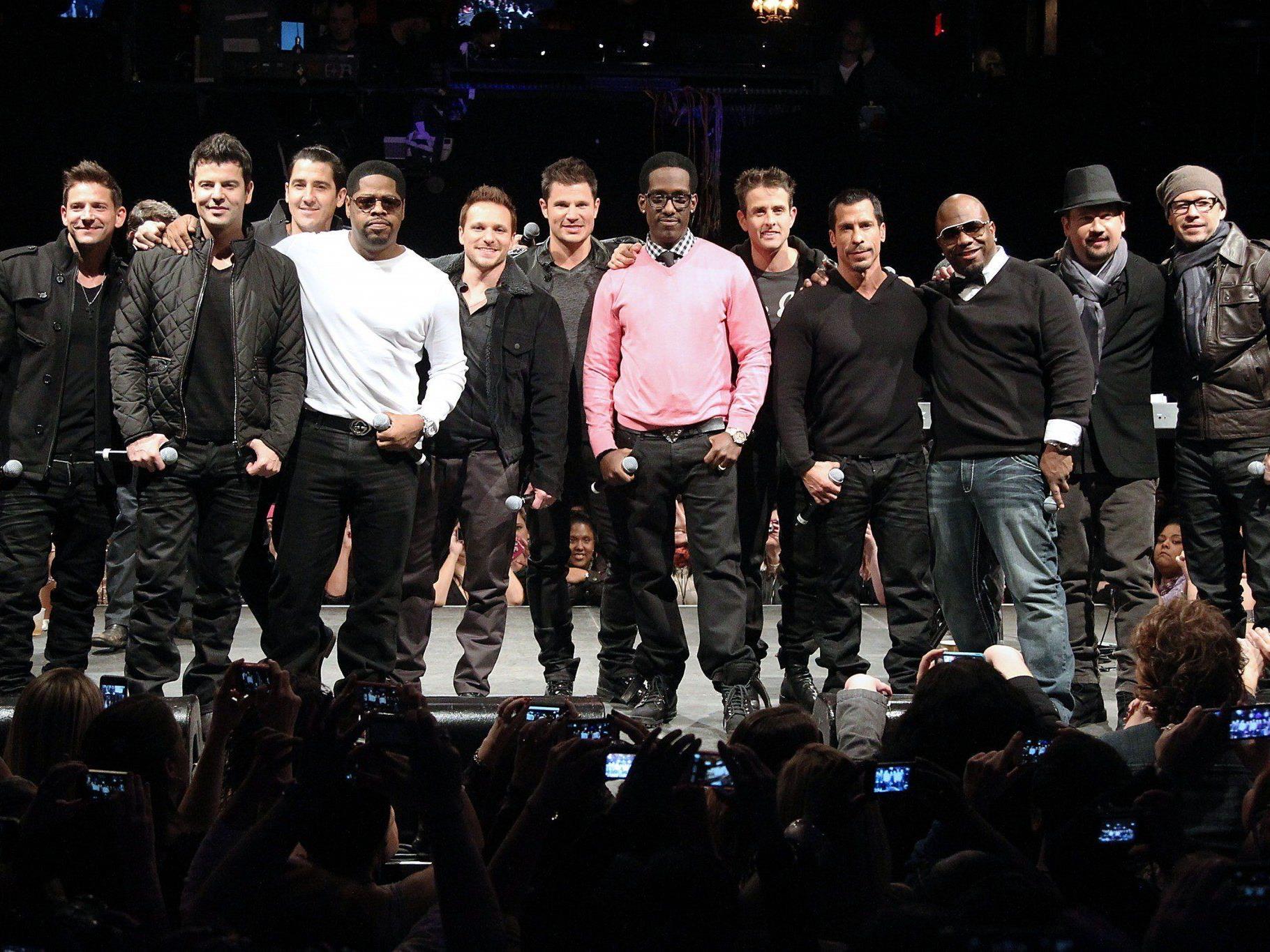 New Kids on the Block, Boyz II Men und 98 Degrees sind in Nordamerika zu sehen.