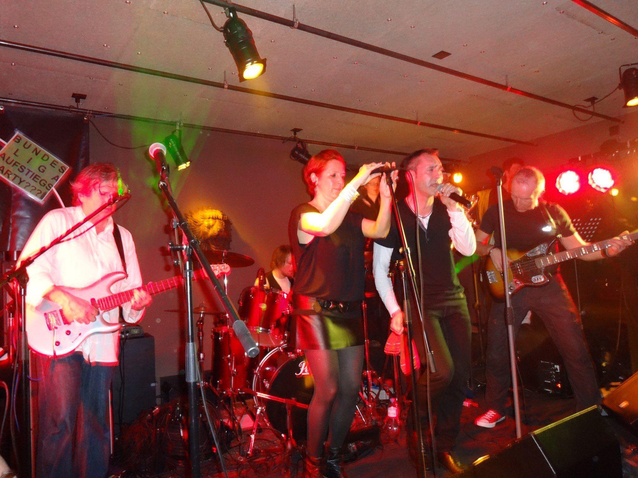 Don´t stop the music-hieß es am 9.März in der Widnauer Habsburg mit Funkstreife 6