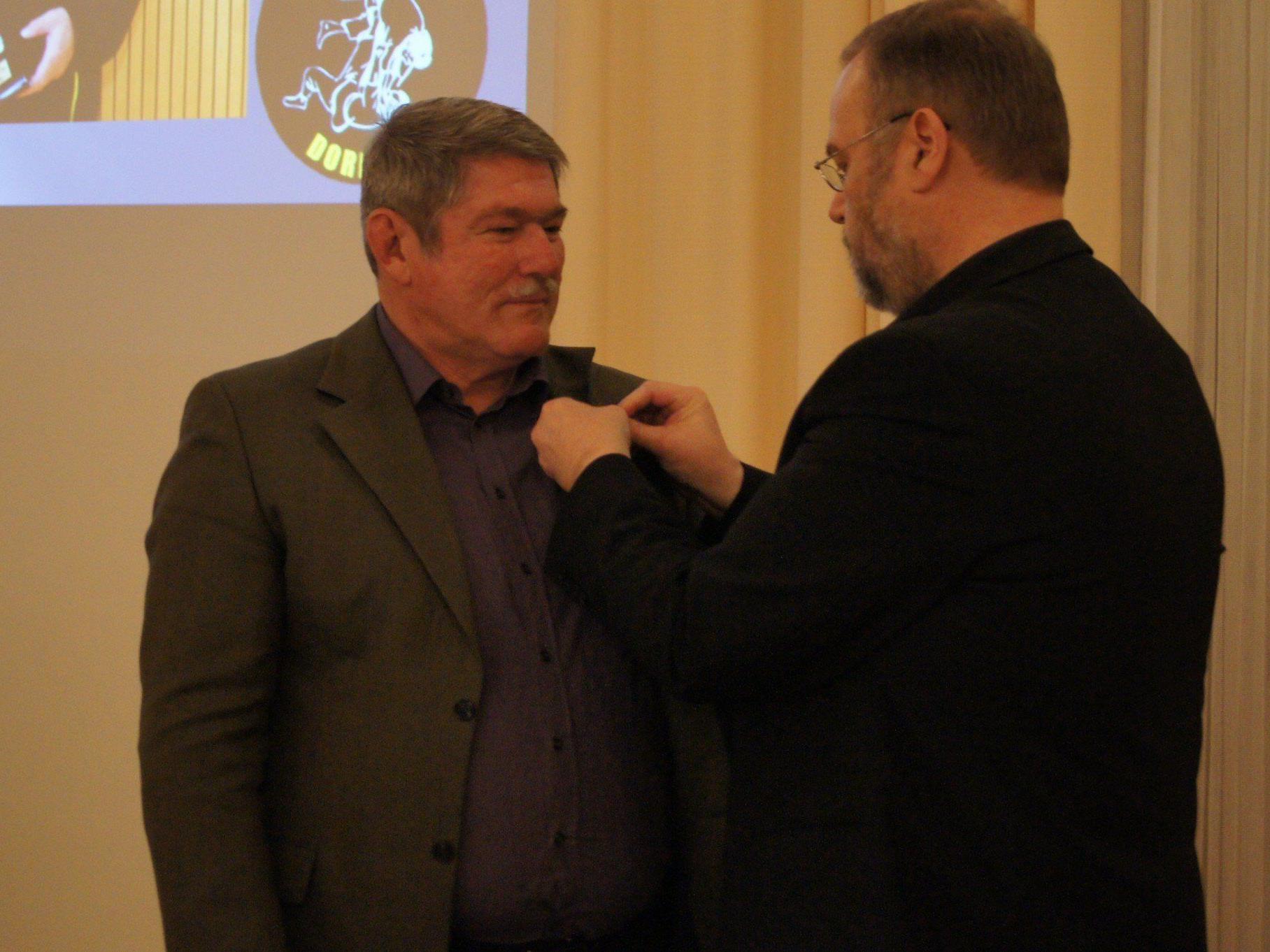 Peter Fischlmayr erhielt das Ehrenzeichen für Sport in Gold.