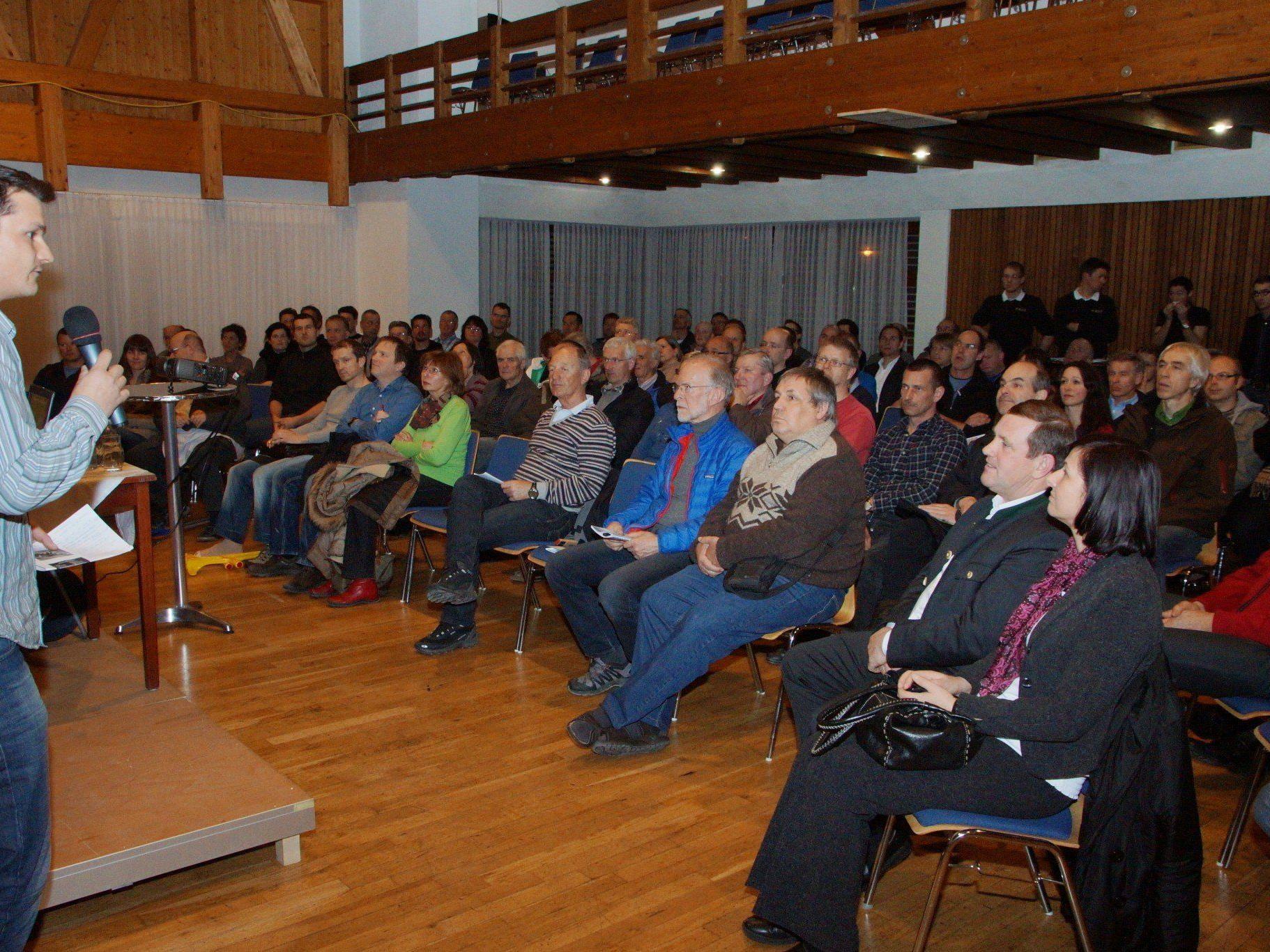 Blumeneggs Energiekoordinator Andreas Bertel war über das Besucherinteresse überrascht.