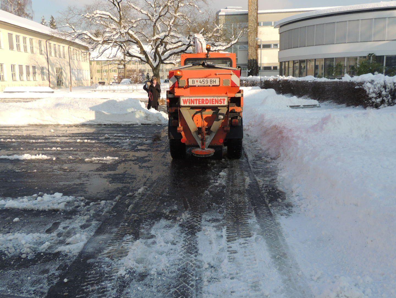 Schneefälle sorgten für Dauereinsatz der Räumungsmannschaften