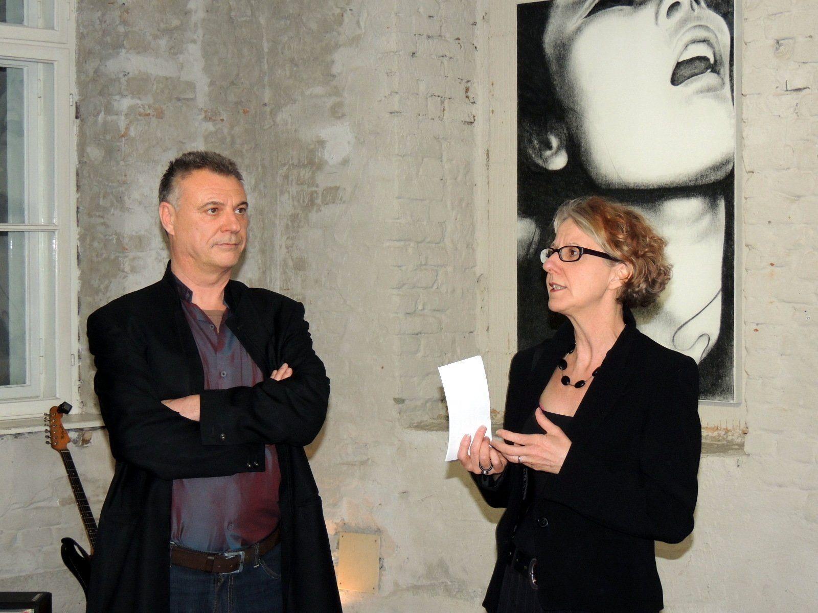 Anlässlich der Vernissage führte Dagmar Ullmann Bautz ein Interview mit dem Künstler Gerd Menia
