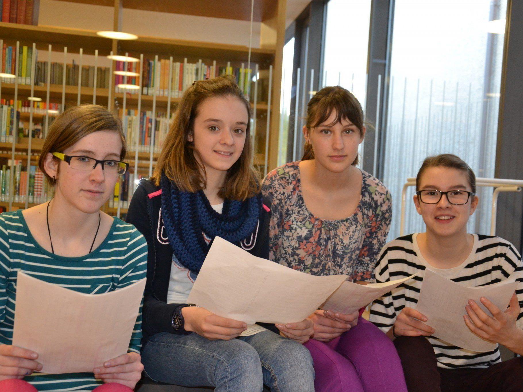 (v.l.) Stefanie, Tabea, Nina und Johanna aus der dritten Klasse Mittelschule hatten Spaß beim Vorarlberger Lesetag