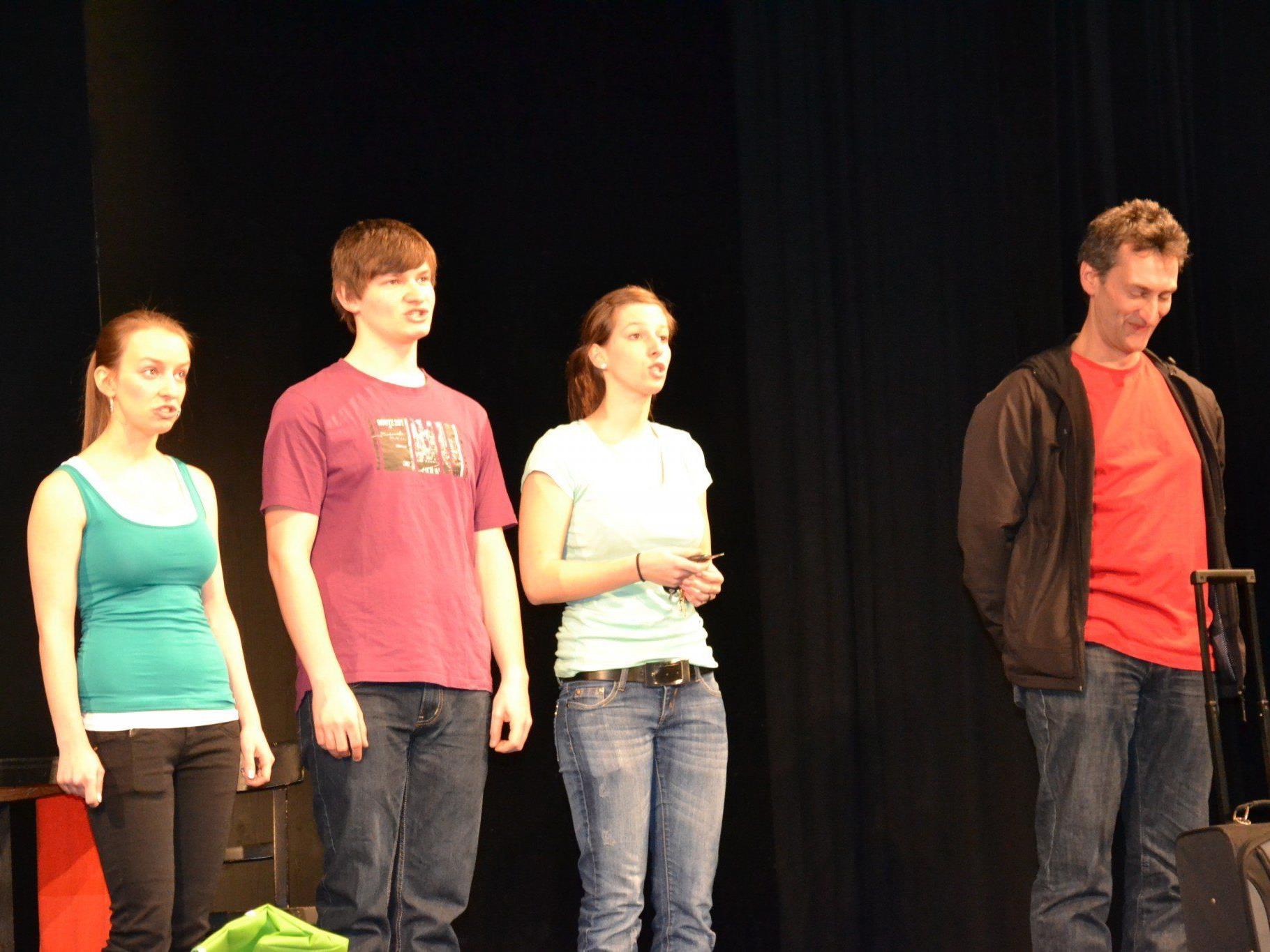 Lisa, Benedikt, Teresa & Georg Marte unterhielten das Publikum mit dem neuen Programm