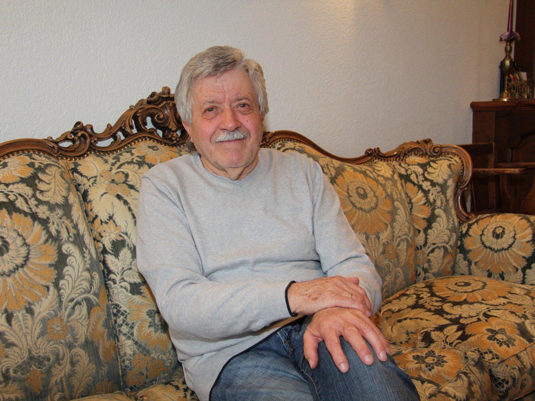 Geht nach 62 Jahren als Frisör in Pension - Reinhold Fürschuß.