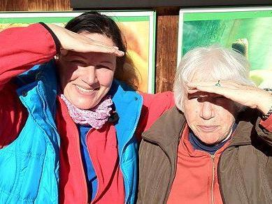 """Maria Neuschmid und ihre Mutter Wilma Vögel sind beim """"Gespräch am Sunnahof"""" zu Gast."""