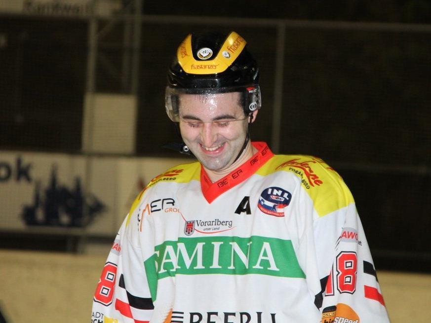Marc Colleoni jubelte über das 3:2-Siegtor und die VEU darf weiter vom Play-off träumen.