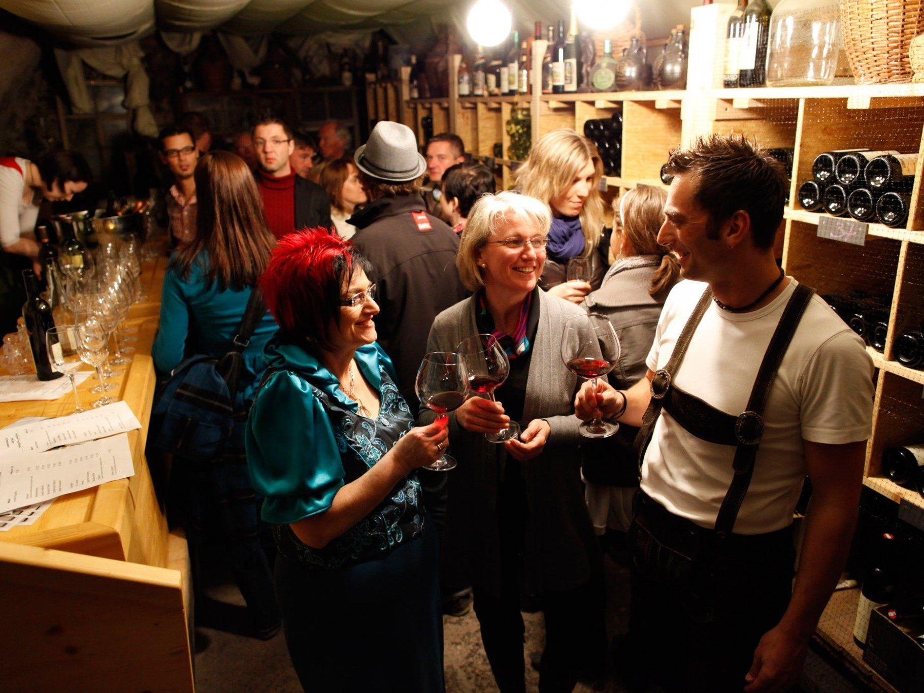 Beim Rankweiler Kellerfest werden in einmaligem Ambiente edle Tröpfchen serviert.