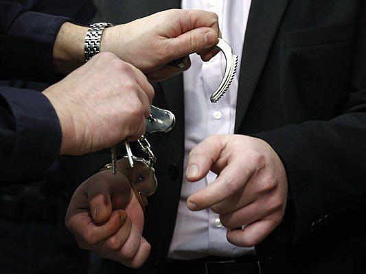Für das Diebes-Duo klickten die Handschellen