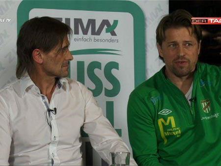 Christian Adam und Helgi Kolvidsson Trainer Austria Lustenau in der Diskussion