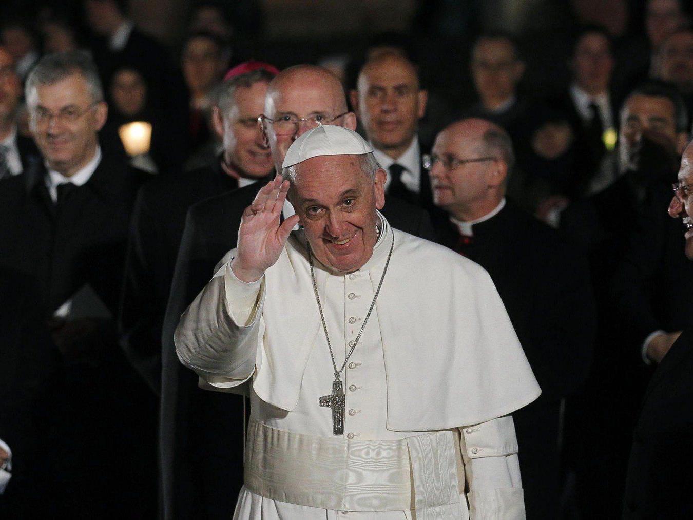 Fußwaschung: Unverständnis bei Traditionalisten für Vorgehen des Papstes.