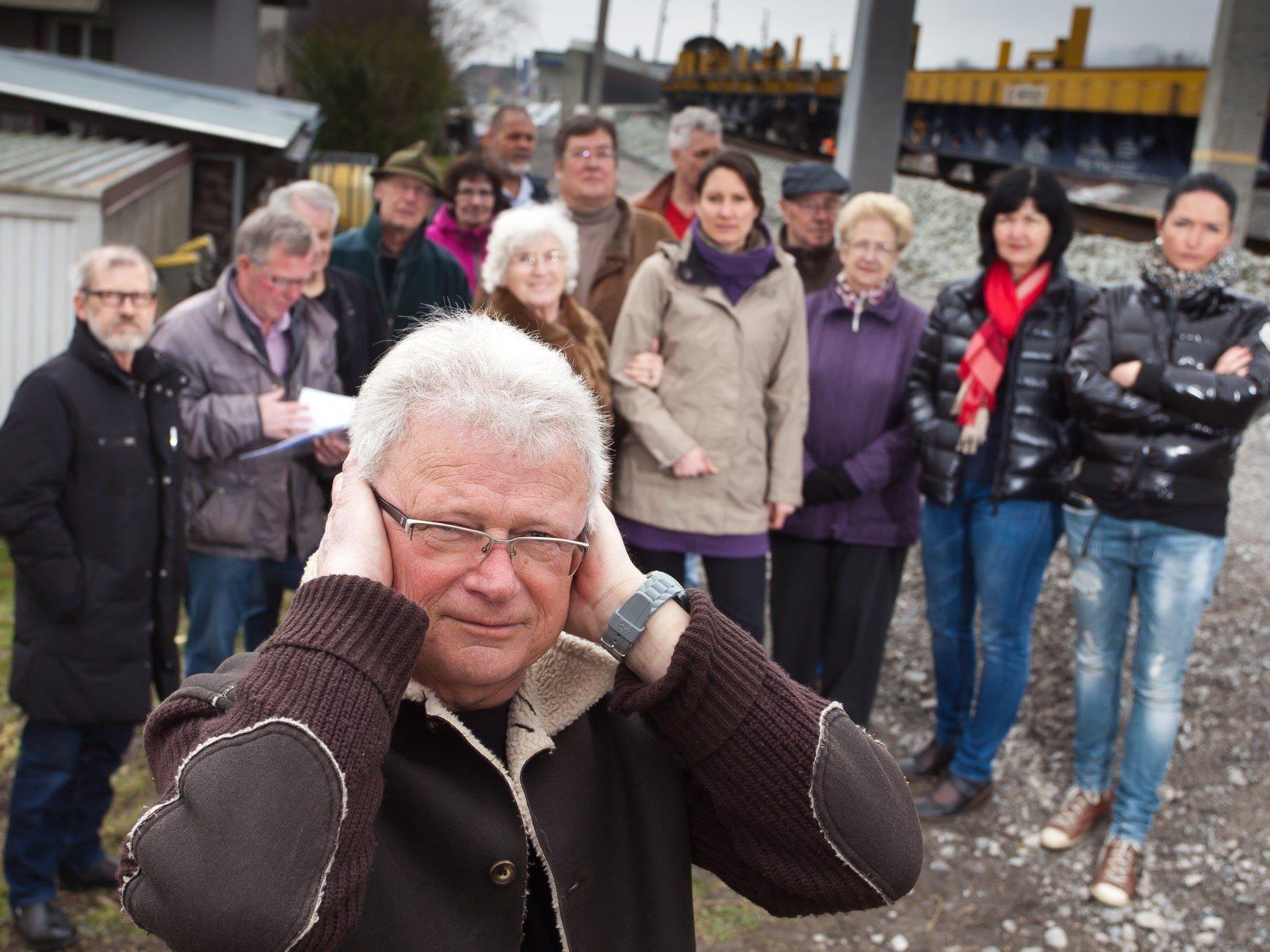 Die Anrainer der Bahngasse fordern einen Lärmschutz.