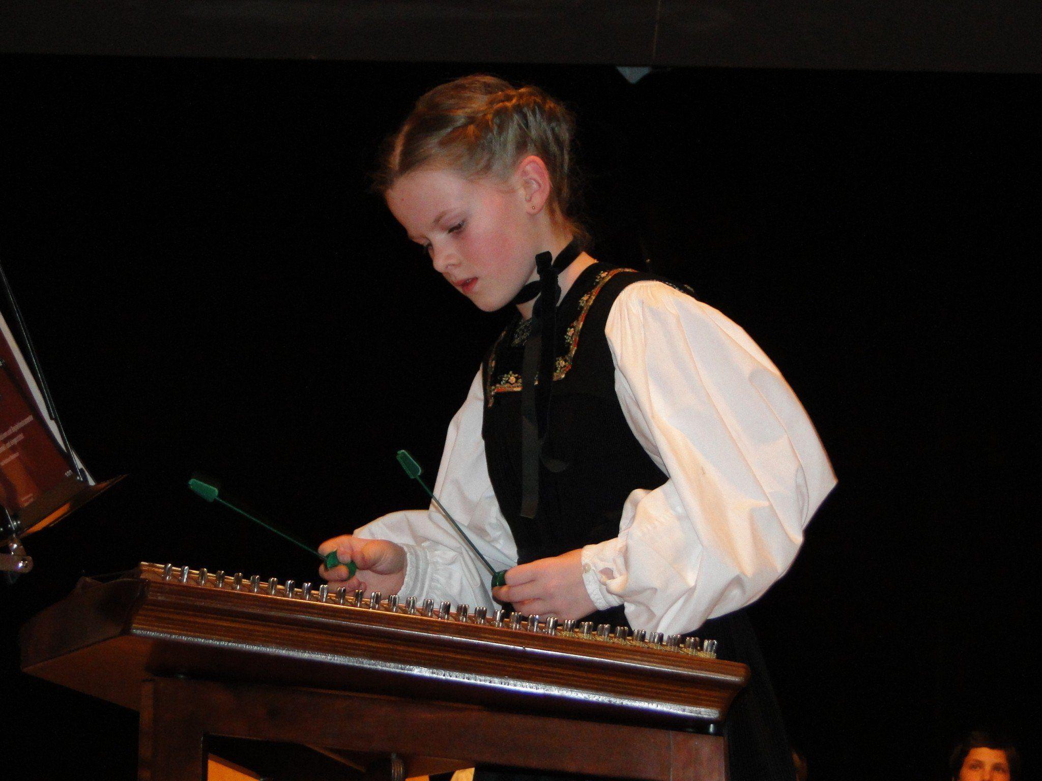 Hingebungsvoll musizierten SchülerInnen des Musikschule Bregenzerwald