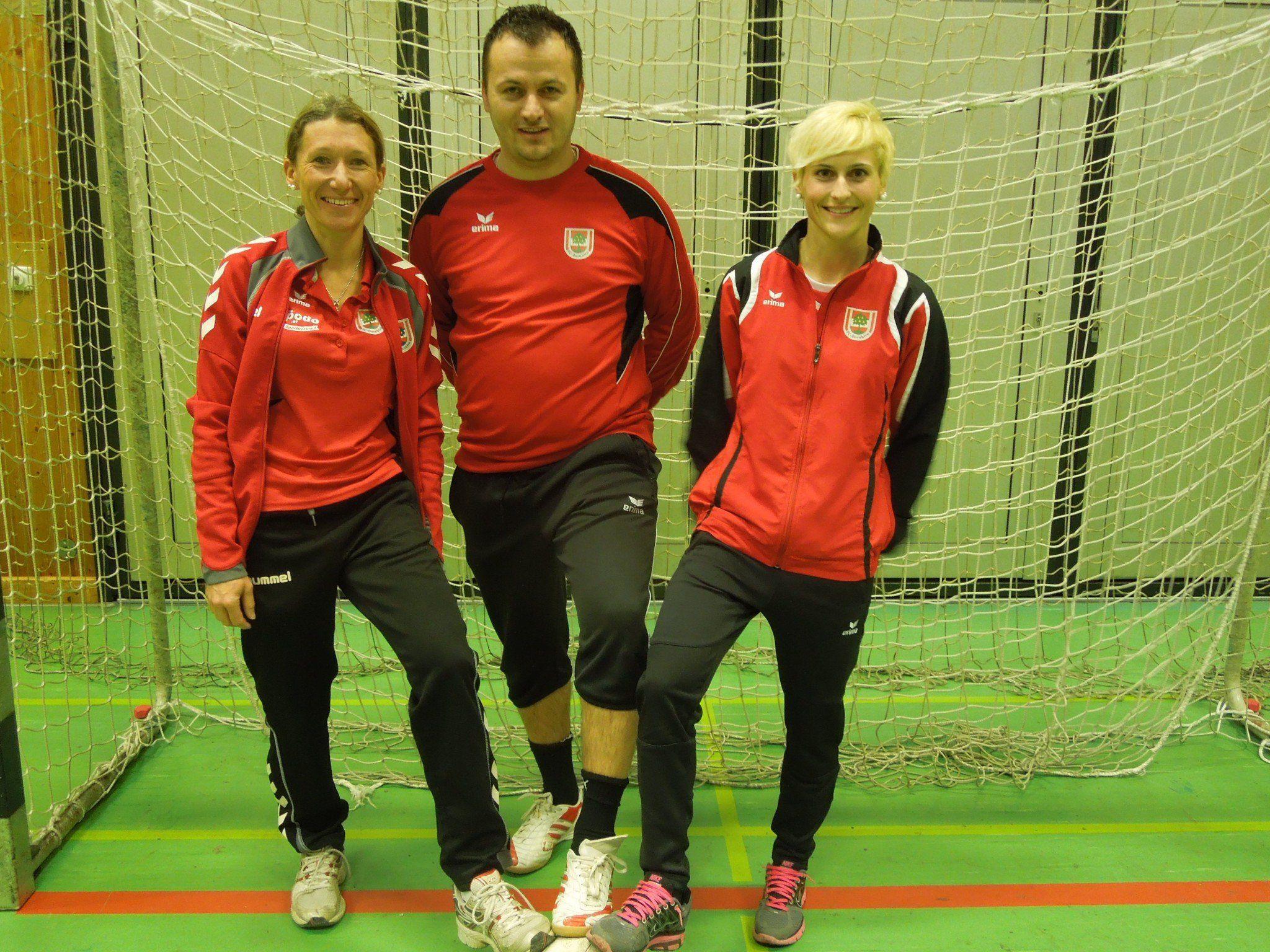 Drei, die sich mit ganzer Seele dem Nachwuchsfußball verschrieben haben - die Trainer der U7 des FC Dornbirn.