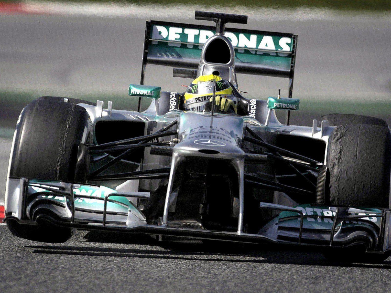 Nico Rosberg hat seine Pirelli-Reifen bei den Tests in Barcelona schon ziemlich beansprucht.