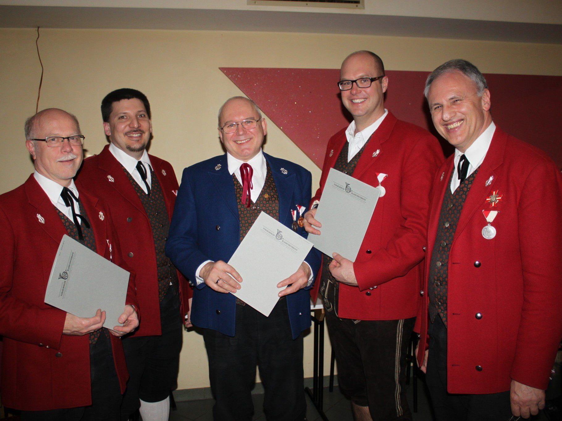 Hubert Lissy, Volker Stefani, Werner Moosburger und Marco Kühne vom MV Lochau mit Landesobmann Wolfram Baldauf.