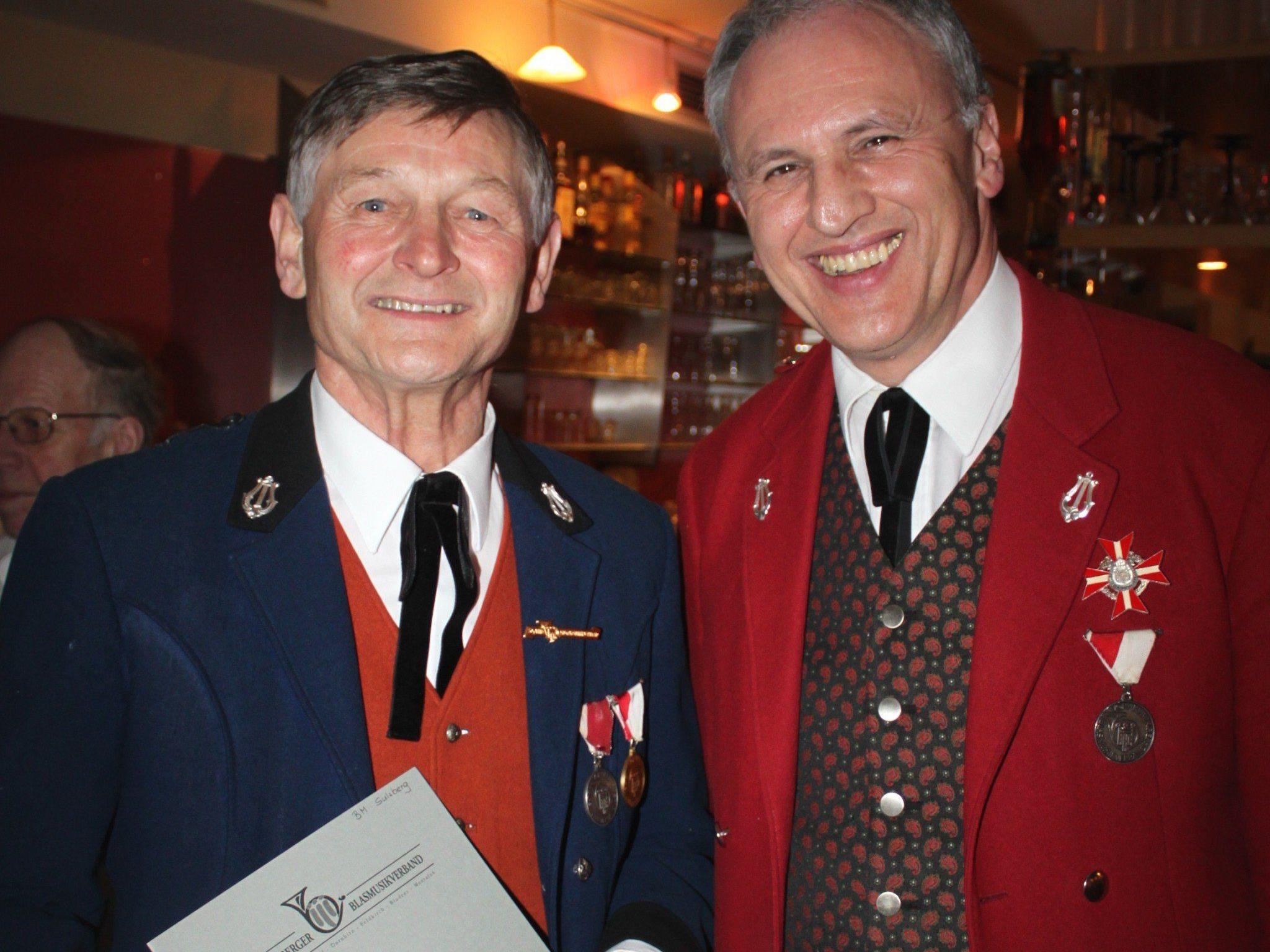 Jubilar Herbert Fink mit Landesobmann Wolfram Baldauf.