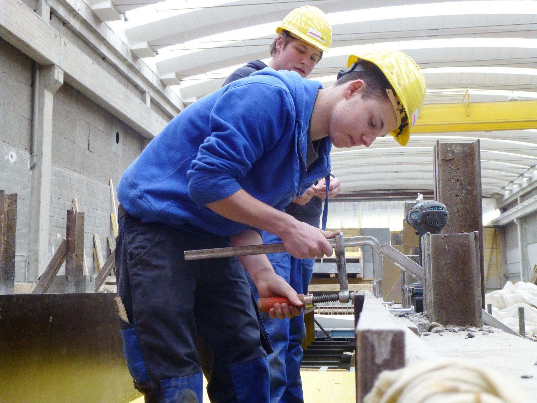 Thüringer Polytechniker versuchten sich als Betonkünstler