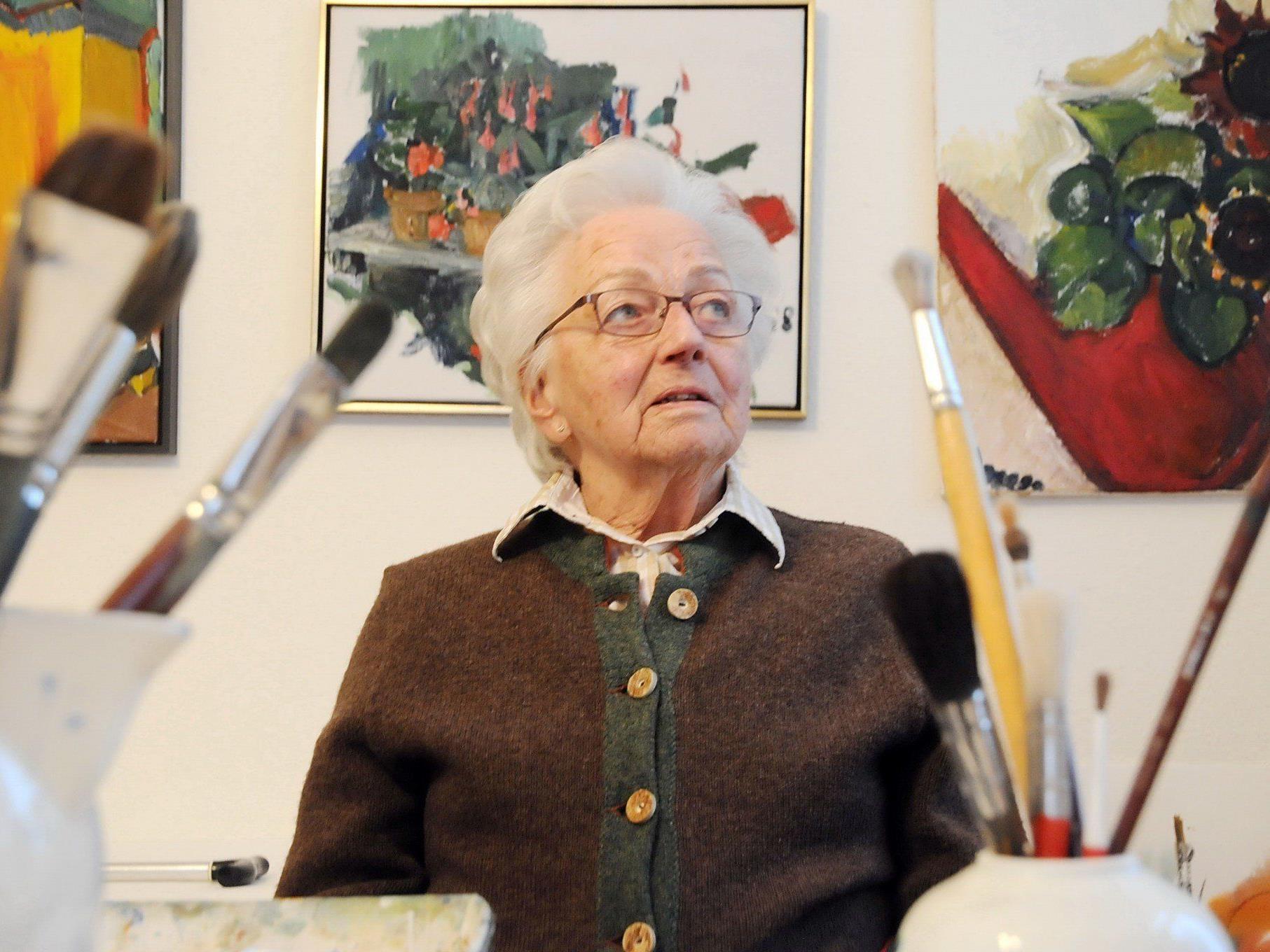 Ein Leben für die Kunst - Die Malerin Lore Rhomberg feiert mit einer großen Ausstellung ihren 90. Geburtstag.