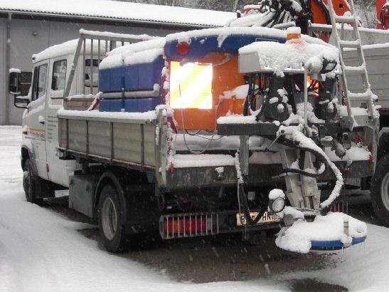 Sorgten für eis- und schneefreie Straßen in Vandans - die Männer vom Bauhof und der Firma Wachter.
