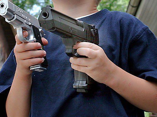 Mit einer Spielzeugpistole seines kleinen Sohns bewaffnet wurde ein Mann in Wiener Neustadt zum Bankräuber