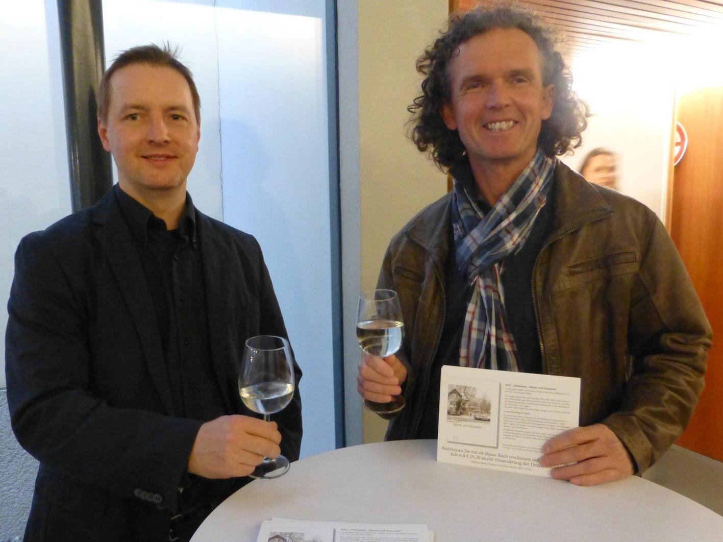 Burghart Häfele und Dietmar Walser (r.) wollen ihr Buchprojekt per Crowdfunding finanzieren.