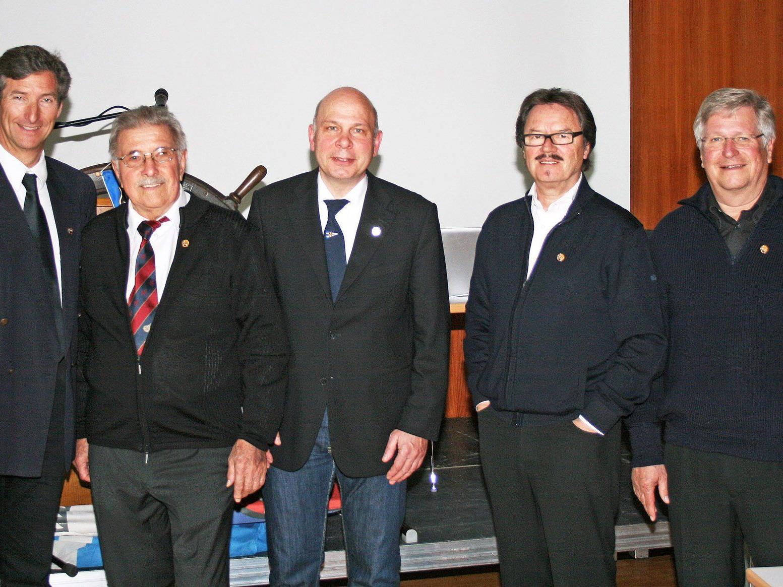 Präsident Martin Schweninger mit Emil Milz, Wolfgang Lampert, Dietmar Amann und Kurt Ludescher