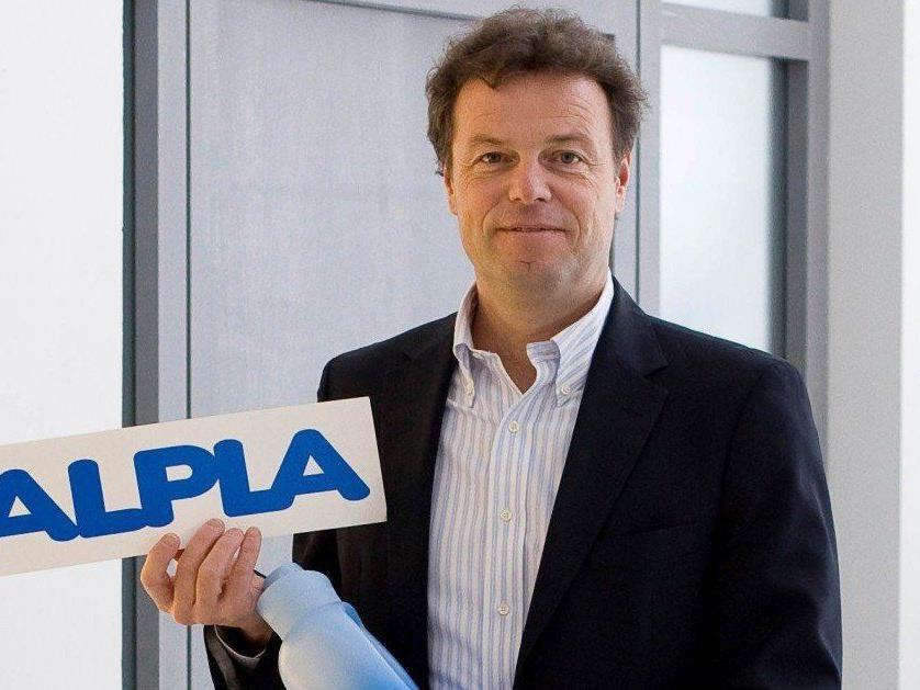 Die Alpla Werke (im Bild Günther Lehner) sind das umsatzstärkste Unternehmen in Vorarlberg.