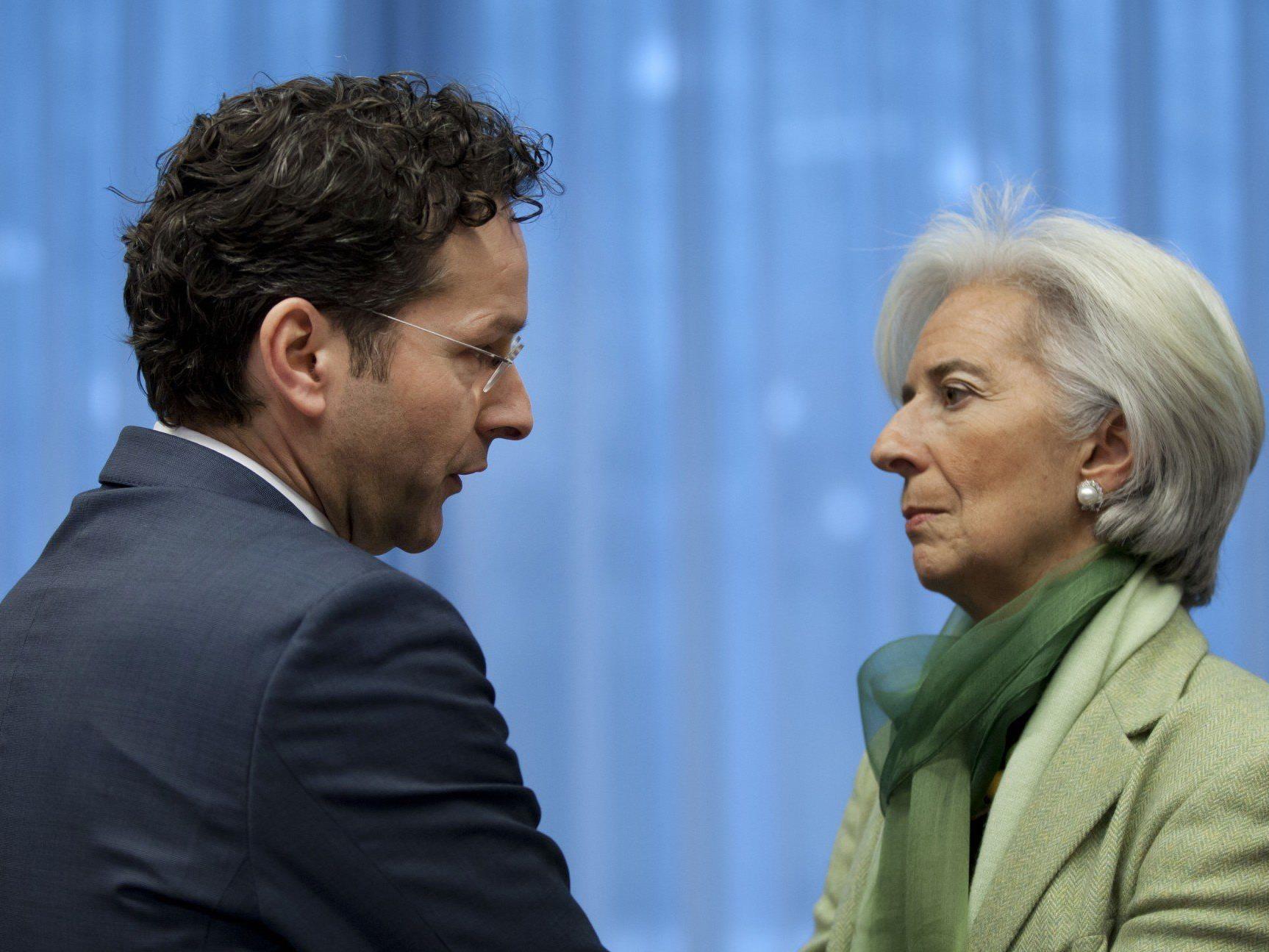 Eurozone einigte sich nach monatelangen Verhandlungen auf Hilfe.