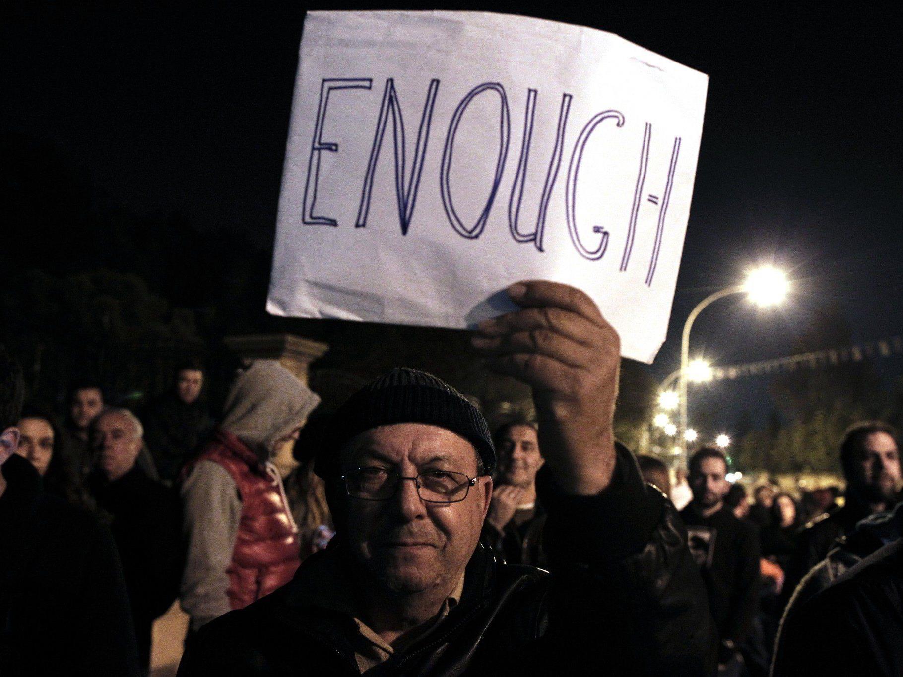 Nicht nur die Demonstranten haben genug.