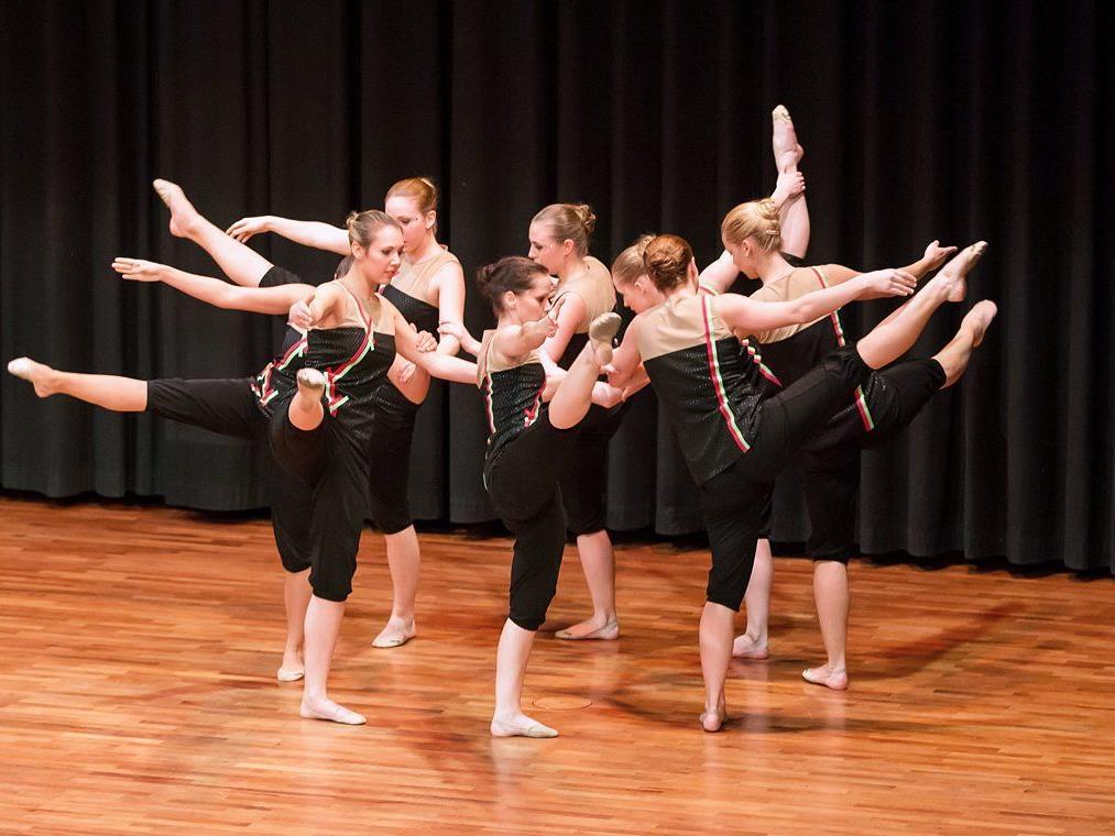 Die Röthner Gymnastikgrupe entzückte das Publikum der VTS-Turngala in Wolfurt.