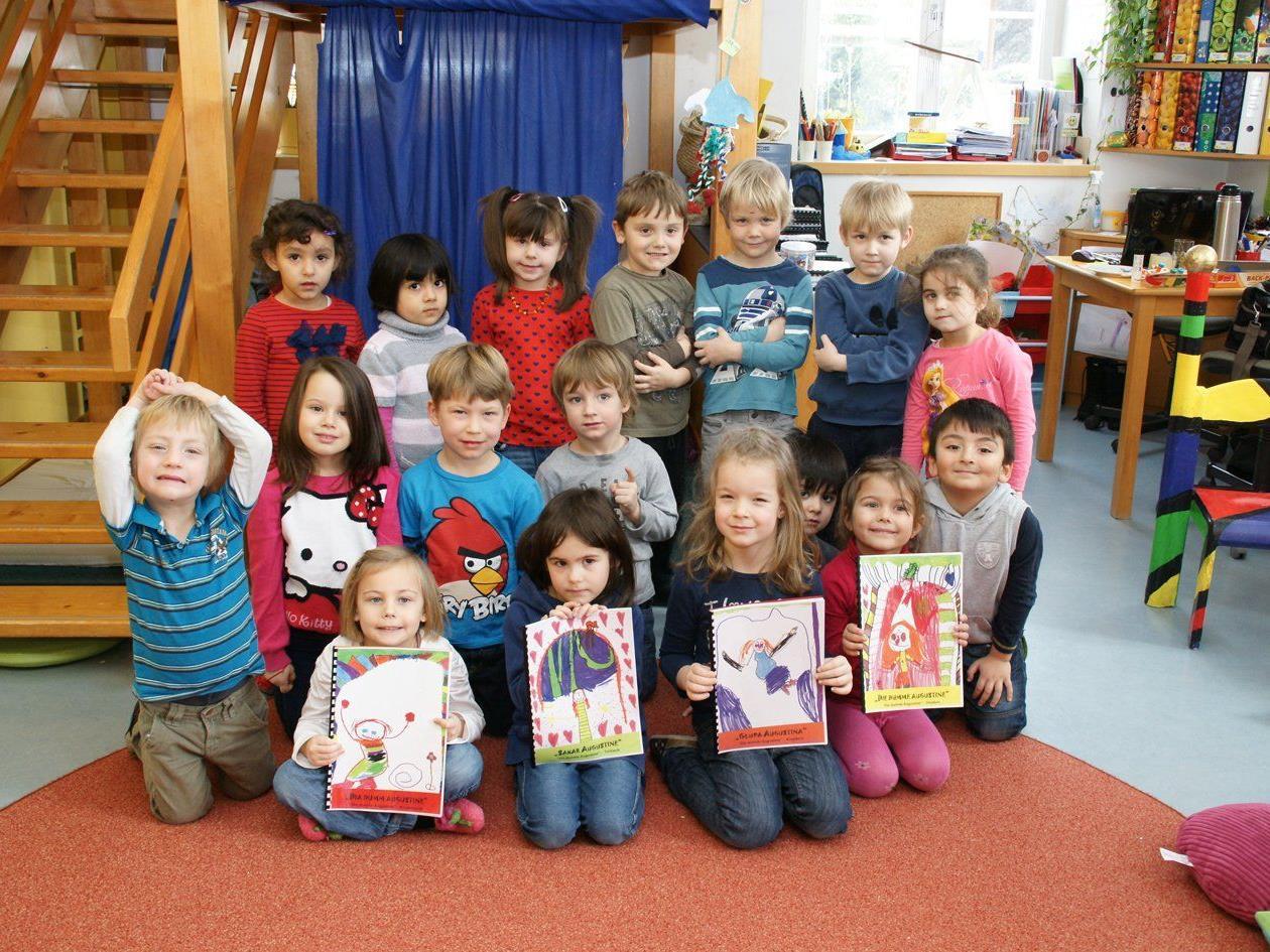 Die Smileys schufen in einem tollen Projekt eigene Bilderbücher.