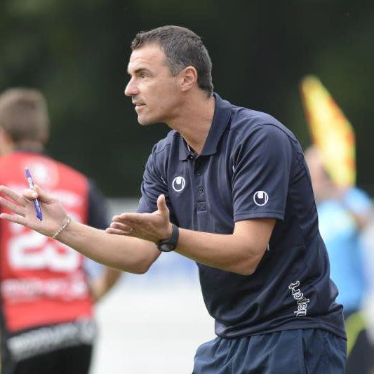 Oliver Schnellrieder bangt mit seiner Mannschaft um den Ligaerhalt.