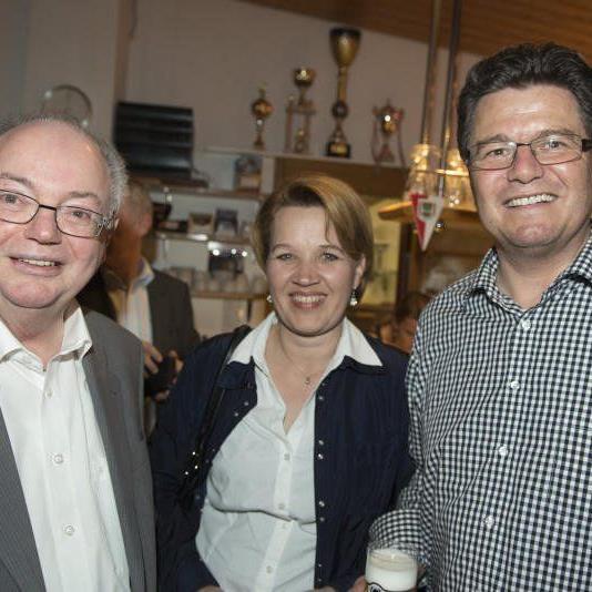 Bürgermeister Wolfgang Rümmele und seine Nachfolgerin Andrea Kaufmann mit Gatte Wolfgang.