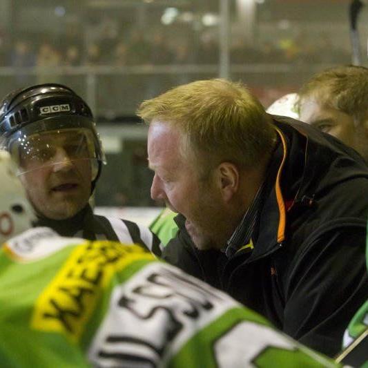 Wälder-Coach Alfredsson muss mit seiner Mannschaft um den Finaleinzug zittern.