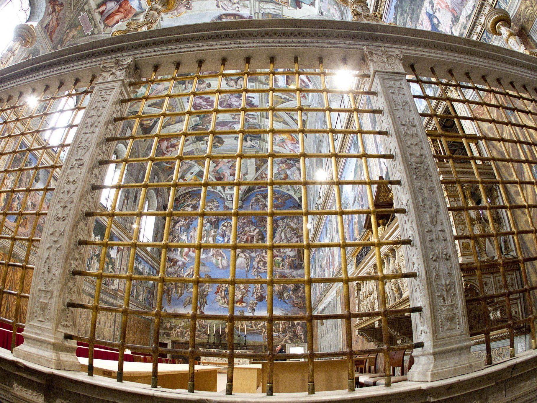 Konklave: Die Sixtinische Kapelle wird vor der Wahl auf elektronische Wanzen kontrolliert.