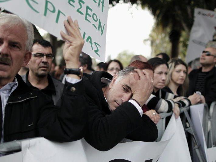 Bevölkerung in Zypern bangt im ihr Erspartes